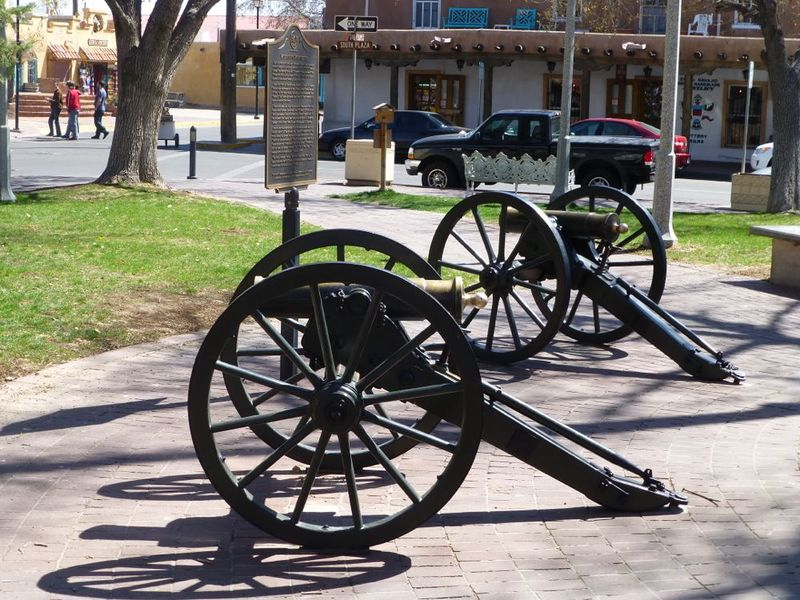 File:Albuquerque Plaza Cannons - 2.jpg
