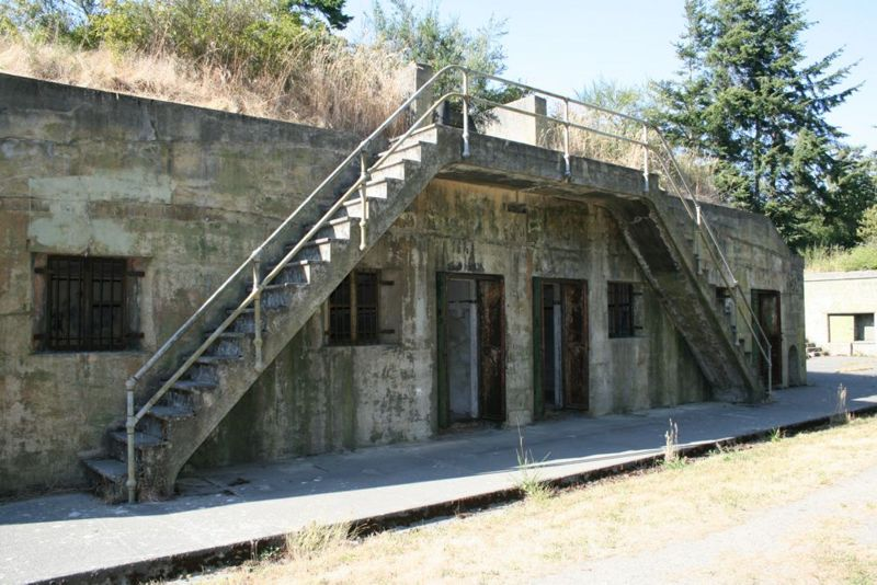 File:Fort Worden Battery Tolles A Magazine.jpg