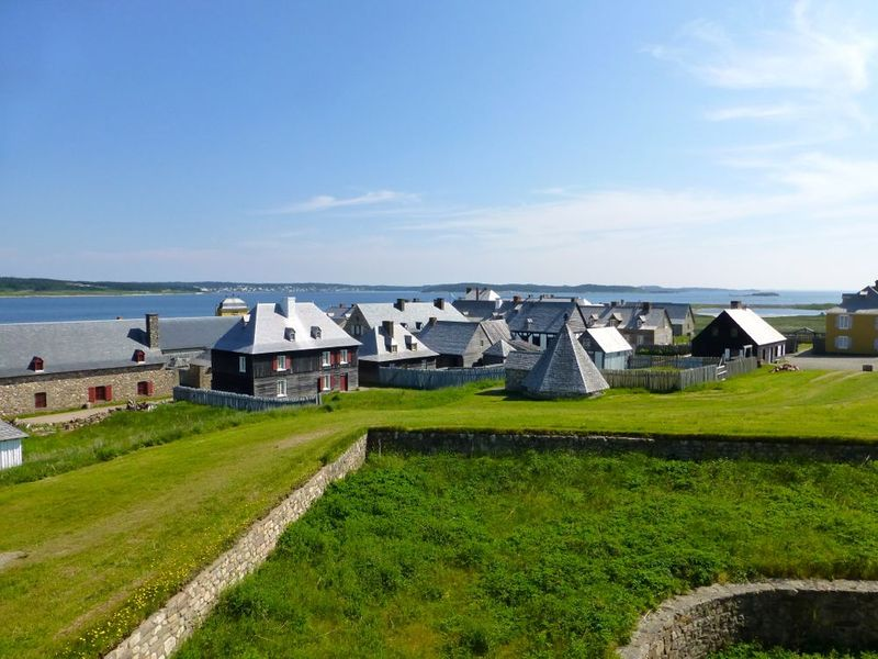 File:Fortress Louisbourg Town - 06.jpg