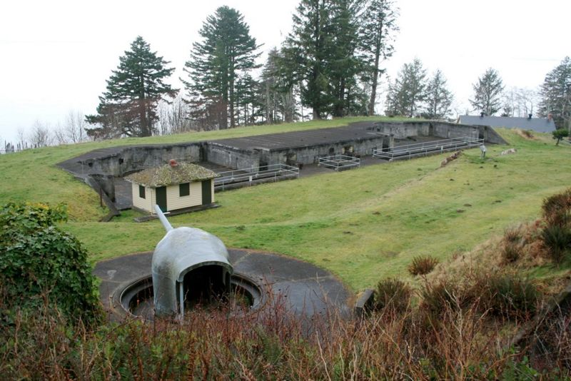 File:Fort Columbia Battery Murphy - 1.jpg