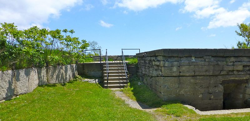 File:Fort Warren Btry Plunkett Emp2 - 2.jpg
