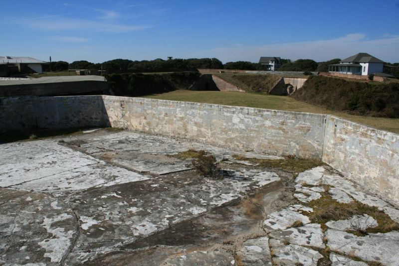 File:Fort Caswell Battery Caswell Emp2-2.jpg