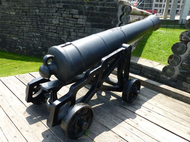 File:Fort York Garrison Gun - 2.jpg