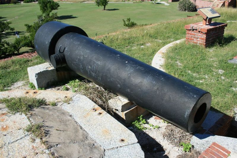 File:Fort Jefferson Cannons - 05.jpg