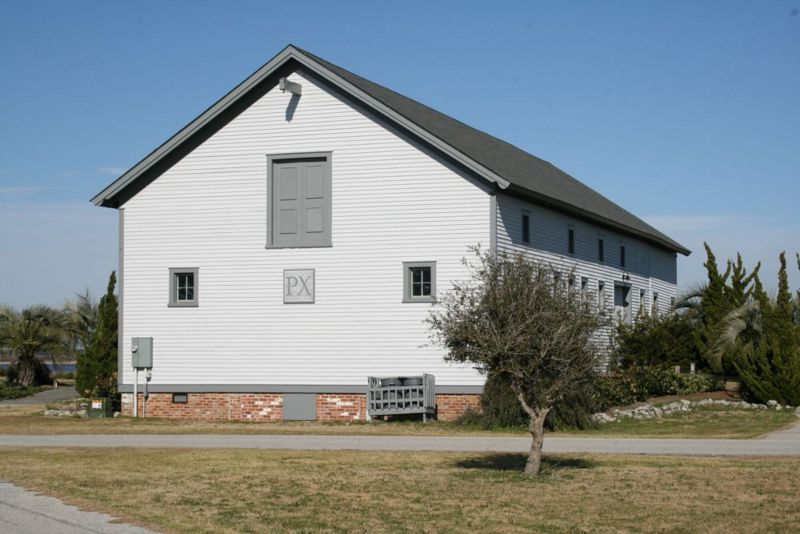 File:Fort Caswell Post QM Stables.jpg