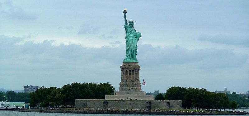 File:Fort Wood Statue of Liberty - 1.jpg