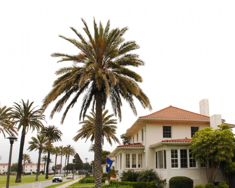 File:FortMacArthur Housing.jpg